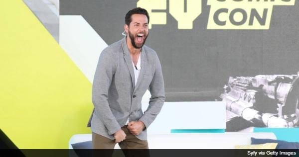 ザッカリー・リーヴァイ、DC映画『Shazam!』撮影のために鍛えた筋肉を披露!「偽マッチョ」疑惑を一蹴