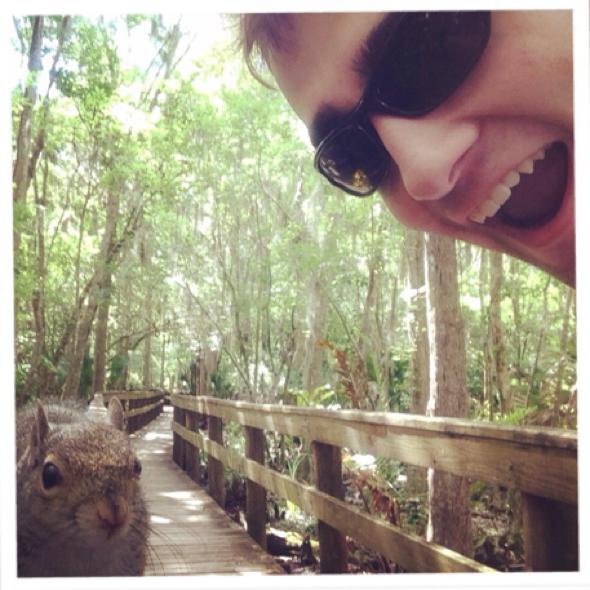squirrel-attacks-man-after-selfie