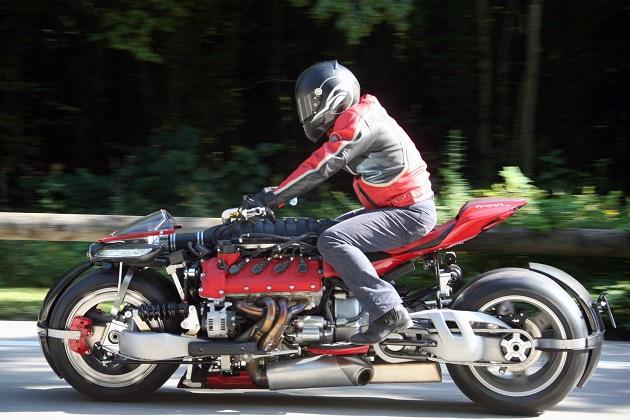 【ビデオ】ラザレス、マセラティのV8エンジンを搭載した4輪バイク「LM847」の走行映像を公開!