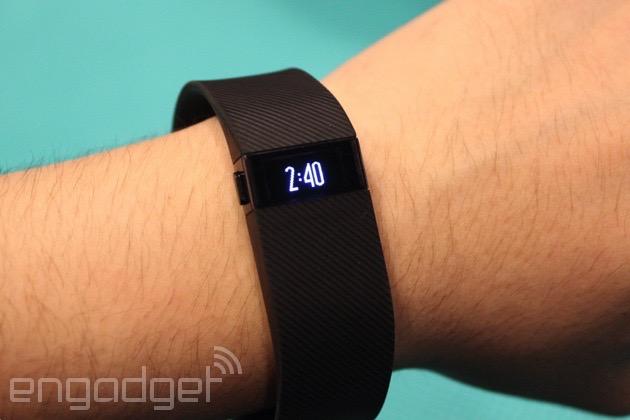 Fitbit Charge 新作抵港,內建螢幕、使用更方便