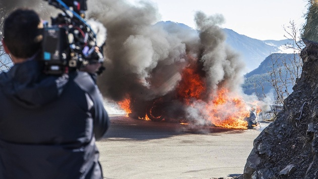 『トップギア』新シーズン撮影中に、試乗していた新型「アルピーヌ A110」が全焼!