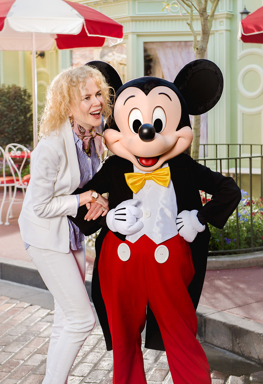 Usa/Australia/Canada Rights Only - Lake Buena Vista, FL - 2/20/2017 - Academy Award-winning actress Nicole Kidman strikes a pose with Mickey Mouse Monday, February 20, 2017, at Magic Kingdom Park in Lake Buena Vista, FL, USA. Kidman vacationed with family at Walt Disney World Resort while in between projects  -PICTURED: Nicole Kidman with Mickey Mouse -PHOTO by: Abacausa/Instarimages.com -583247_004  Editorial Rights Managed Image - Please contact www.INSTARimages.com for licensing fee and rights: North America Inquiries: email sales@instarimages.com or call 212.414.0207 - UK Inquiries: email ben@instarimages.com or call + 7715 698 715 - Australia Inquiries: email sarah@instarimages.com.au Êor call +02 9660 0500 Ð for any other Country, please email sales@instarimages.com. ÊImage or video may not be published in any way that is or might be deemed defamatory, libelous, pornographic, or obscene / Please consult our sales department for any clarification or question you may have - http://www.INSTARimages.com reserves the right to pursue unauthorized users of this image or video. If you are in violation of our intellectual property you may be liable for actual damages, loss of income, and profits you derive from the use of this image or video, and where appropriate, the cost of collection and/or statutory damage.