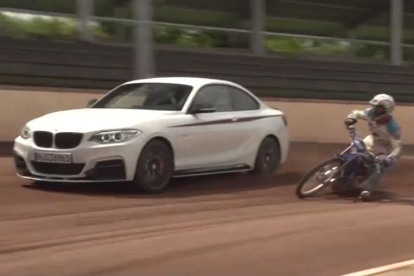 Video Dirt Biker Performs Synchronised Drifting With Bmw Aol