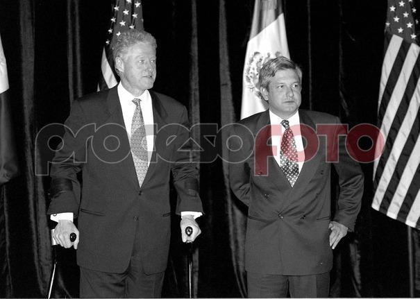 PIE: Andrés Manuel y Bill Clinton en 1997. Foto: Benjamin Flores /