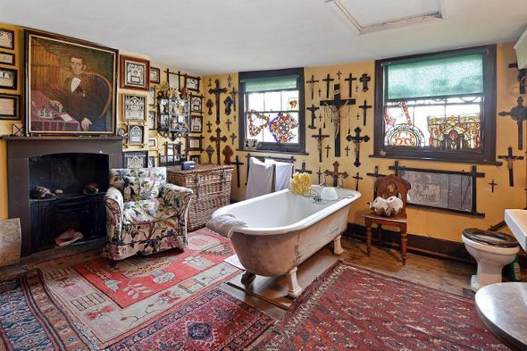 The bathroom at Malplaquet House