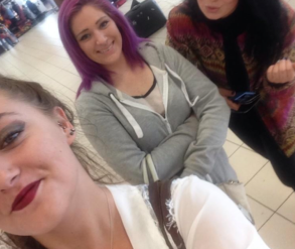Three girls confront cheating boyfriend at airport