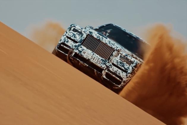 【ビデオ】ロールス・ロイス初のSUV「カリナン」がドバイ郊外の砂漠を爆走!