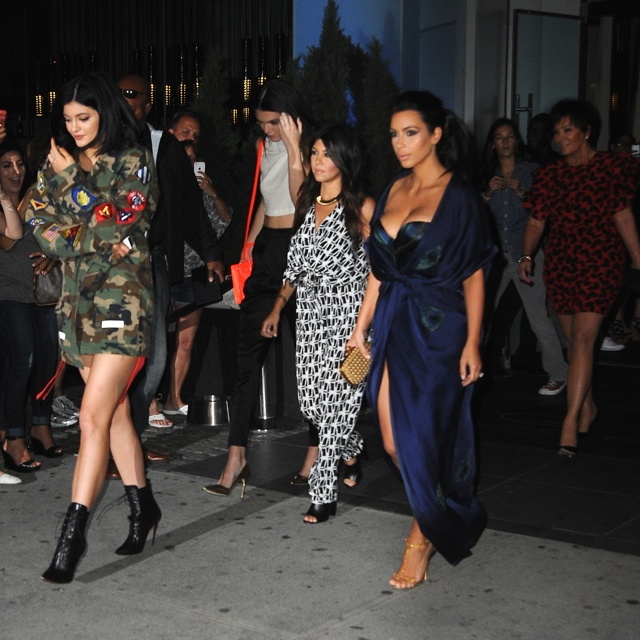 Kim Kardashian and family out for Khloe's 30th birthday