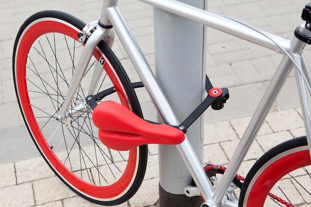 【ビデオ】自転車のサドルと盗難防止ロックが一体化した「Seatylock」 これなら忘れないし邪魔にならない!