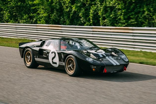 【ビデオ】1966年にル・マン24時間レースで優勝したフォード「GT40」のレストアがついに完成!