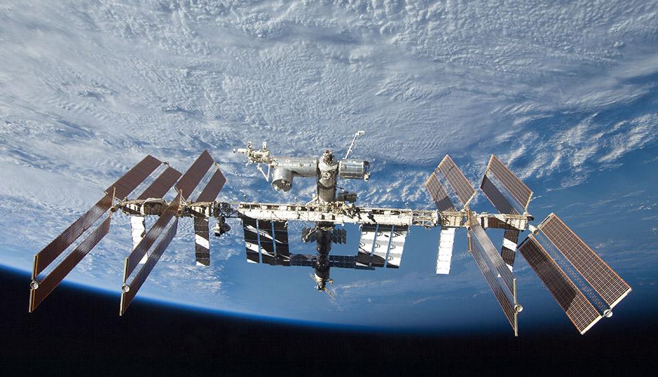 Hasil gambar untuk ISS