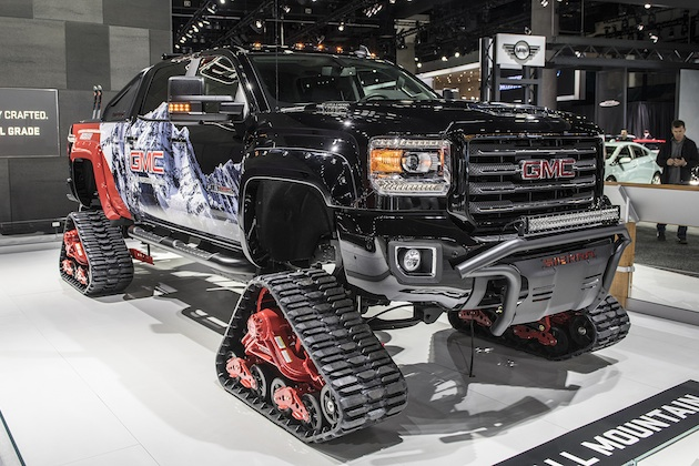 【LAオートショー2017】どんな雪道も走破できそうな、無限軌道を装備したGMC「シエラ 2500HD オールマウンテン コンセプト」