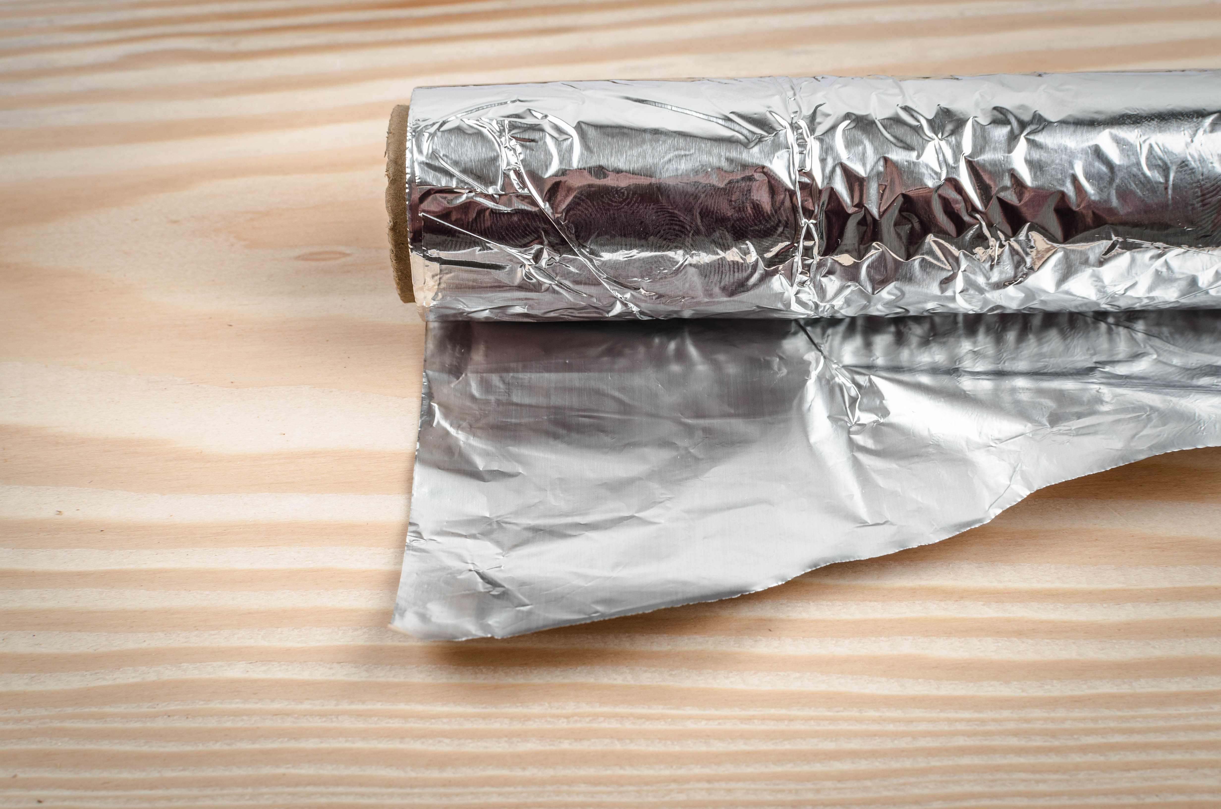 5 Unusual Uses For Aluminum Foil That Will Completely Blow