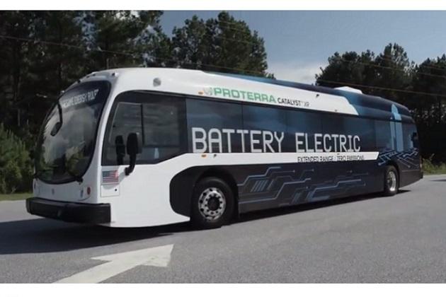 1回の充電で航続距離は約415km! 米プロテラ社製のEVバス「キャタリストXR」