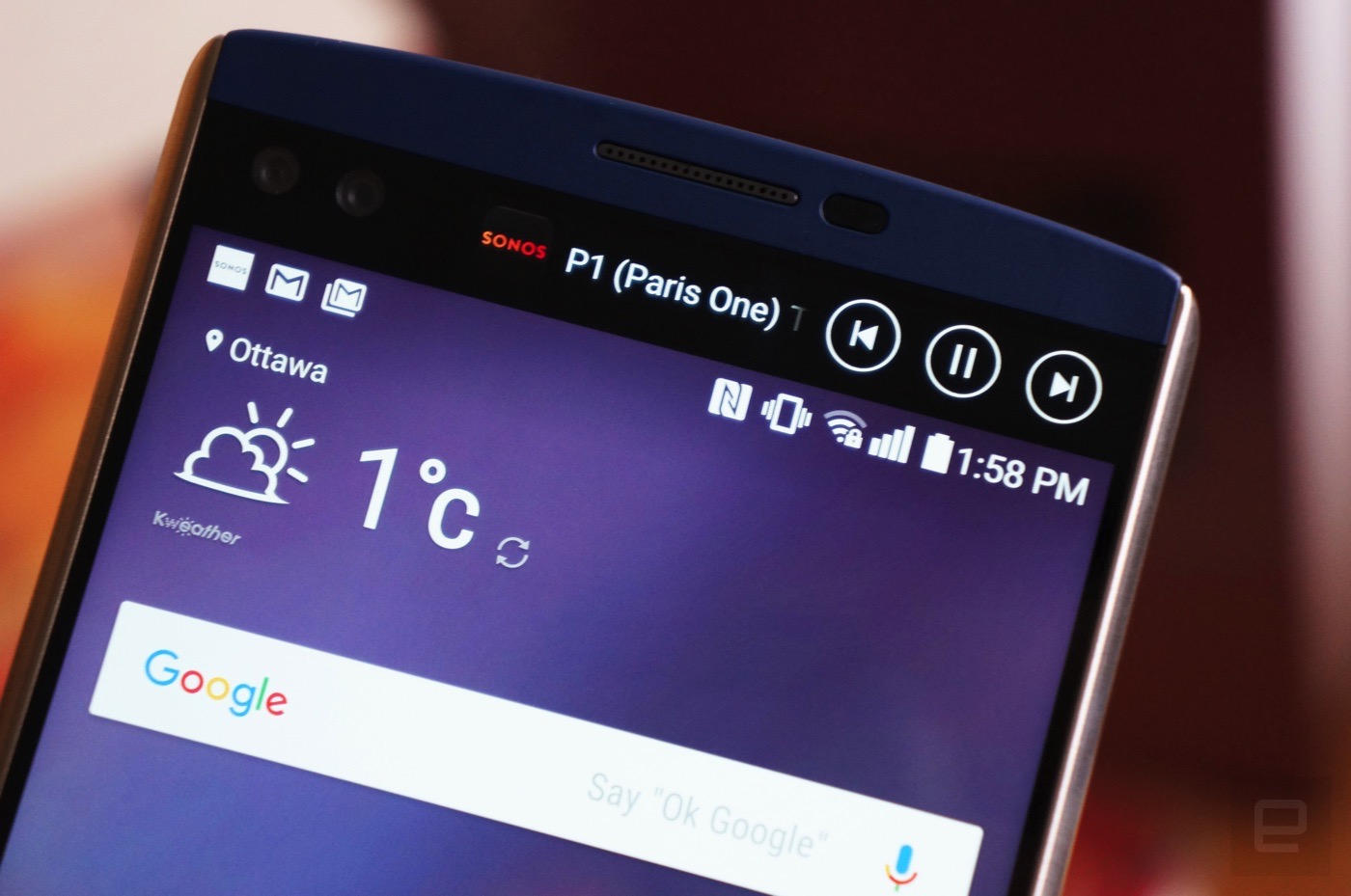 Life with the LG V10 and its oddball second screen