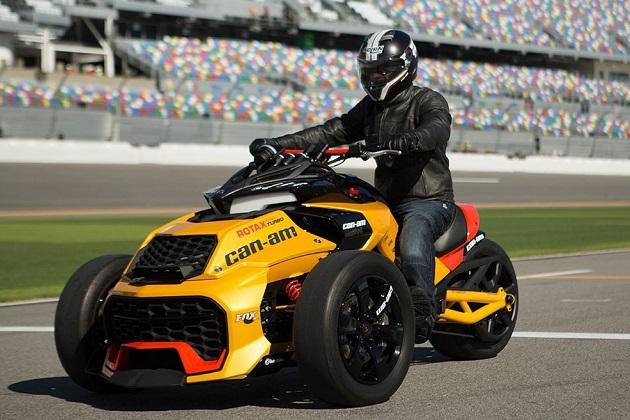 150hpの3輪オートバイ、「カンナム・スパイダーF3 ターボ」コンセプト(ビデオ付)