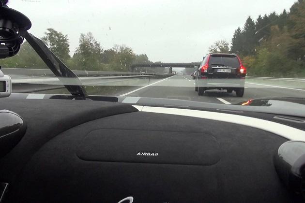 【ビデオ】他の車両が止まって見える!? ケーニグセグ「アゲーラR」がドイツのアウトバーンを爆走!