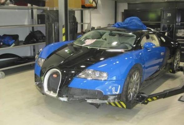 Crashed Veyron