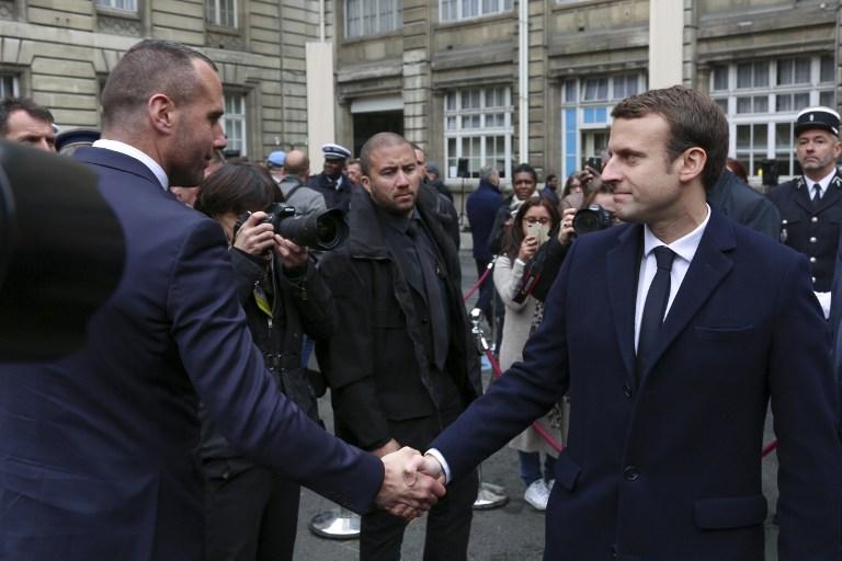 Les mots bouleversants d'Etienne Cardiles, compagnon de Xavier Jugelé, lors de l'hommage au policier...