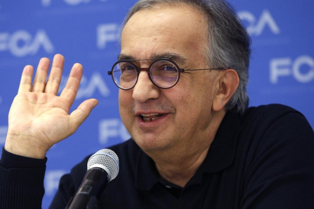 Sergio Marchionne, CEO, Fiat Chrysler Automobiles, speaks with journalists at the North American International Auto Show in Detroit, Michigan, U.S., January 15, 2018. REUTERS/Rebecca Cook