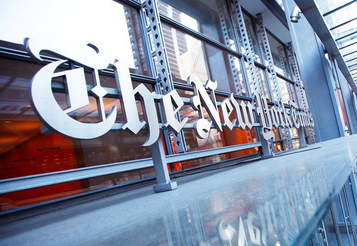 Does social media threaten the illusion of news neutrality?