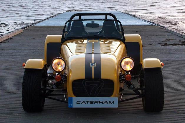 ケータハム、米国で軽量スポーツカー「セブン」2モデルを発売へ