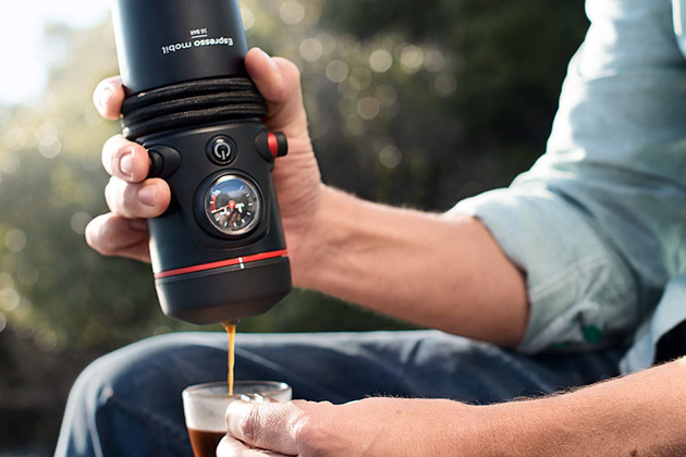 コーヒー好きのドライバー必見! アウディのポータブル・コーヒーメーカーが登場