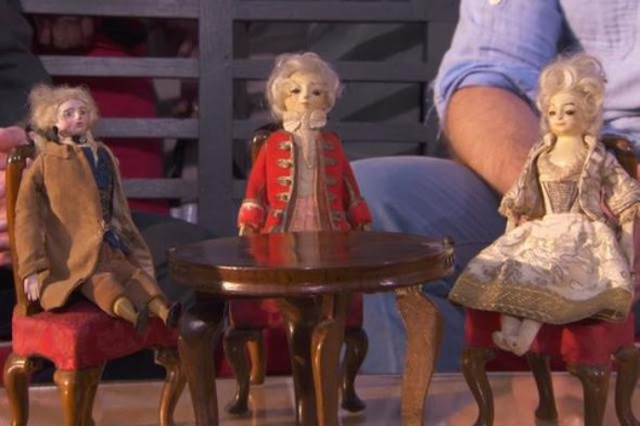 The antique dolls