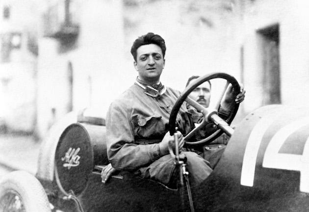 - Enzo Ferrari con il meccanico Michele Conti. - L'auto e una Alfa Romeo 20-40 HP - Prima gara di Ferrari con l'Alfa. - Si classifico al 2∞posto assoluto (1∞ di categoria)