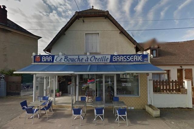 Bouche a Oreille cafe, France