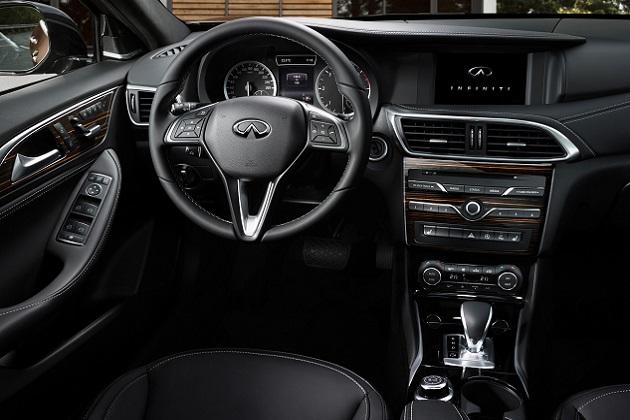 インフィニティ、新型エントリー・モデル「Q30」のインテリア画像を公開 メルセデスとの共通パーツも