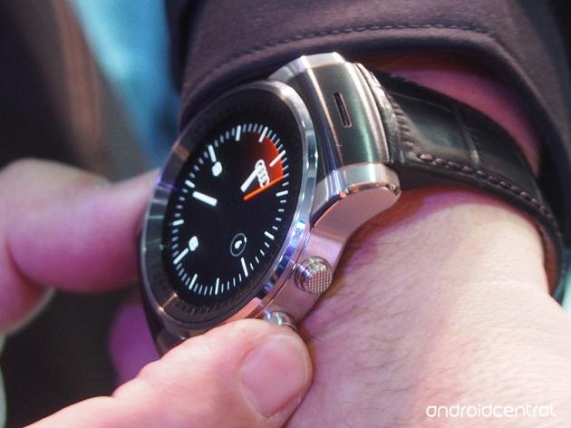 這款就是 LG 為 Audi 開發的智慧型手錶