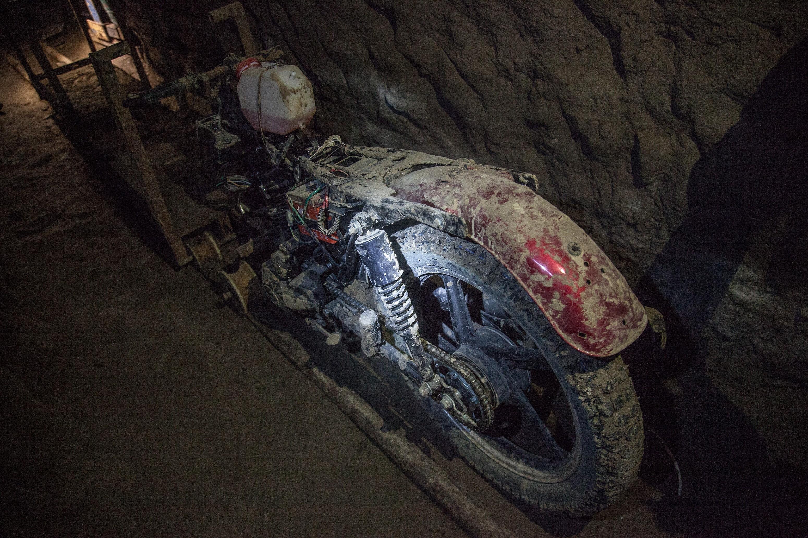 Joaquin 'El Chapo' Guzman Escape Tunnel