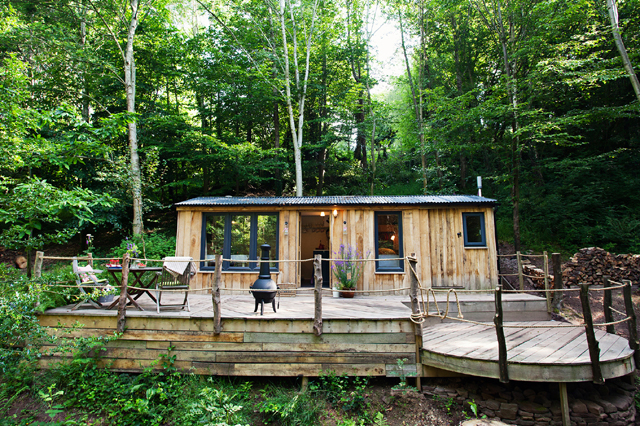 wood shack cottage in wales