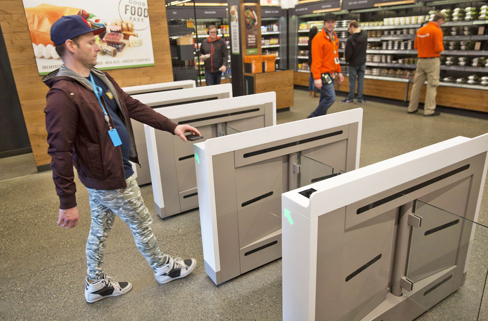 & Amazon\u0027s convenience store of the future makes me nervous