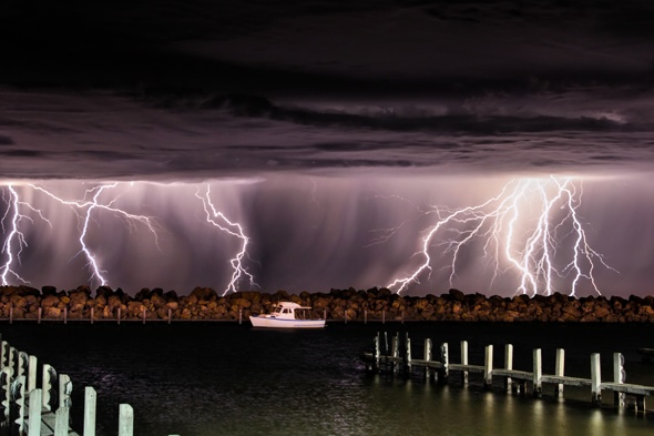 stormchaser-lightning-pictures-craig-eccles-photography-australia