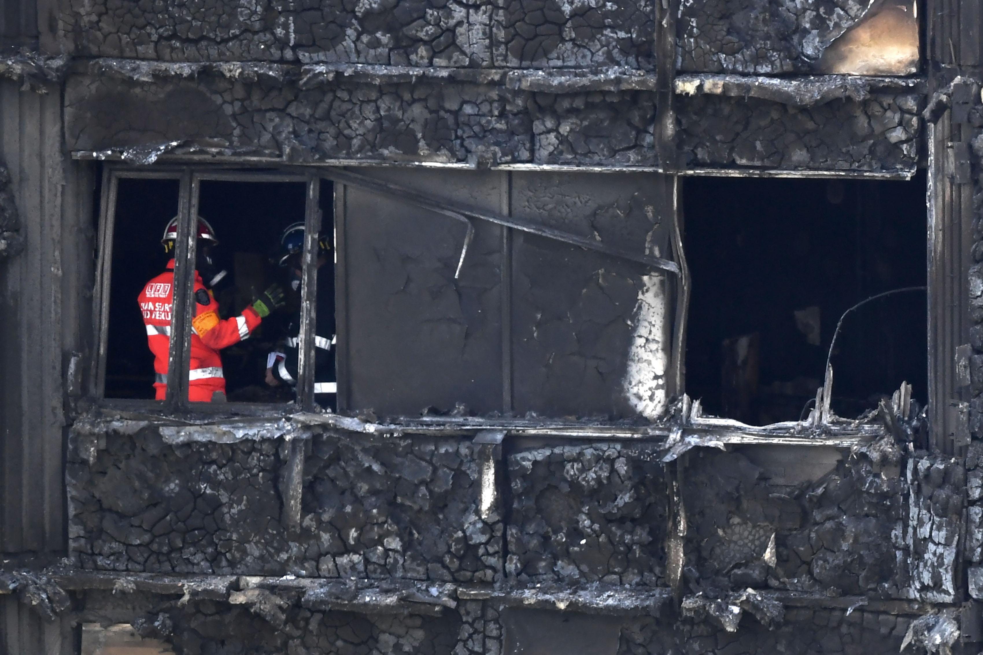 L'incendie de Londres a fait au moins 30 morts selon un nouveau