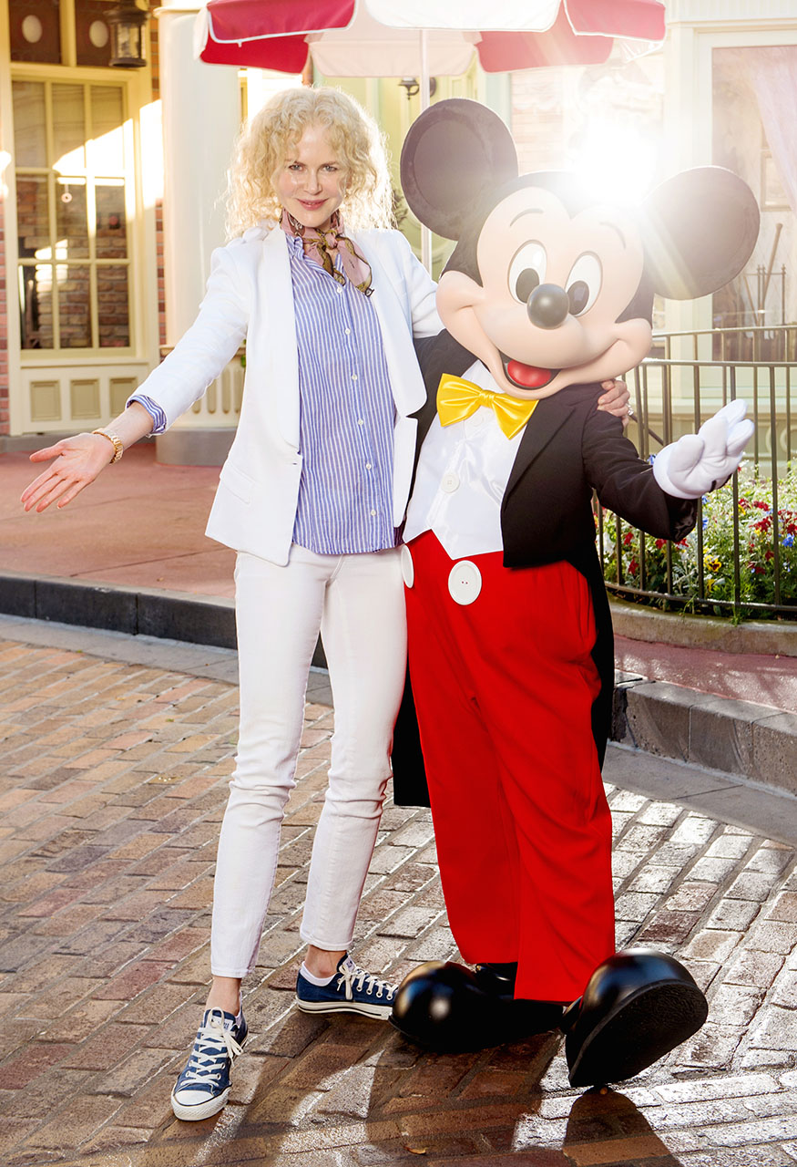 Usa/Australia/Canada Rights Only - Lake Buena Vista, FL - 2/20/2017 - Academy Award-winning actress Nicole Kidman strikes a pose with Mickey Mouse Monday, February 20, 2017, at Magic Kingdom Park in Lake Buena Vista, FL, USA. Kidman vacationed with family at Walt Disney World Resort while in between projects  -PICTURED: Nicole Kidman with Mickey Mouse -PHOTO by: Abacausa/Instarimages.com -583247_002  Editorial Rights Managed Image - Please contact www.INSTARimages.com for licensing fee and rights: North America Inquiries: email sales@instarimages.com or call 212.414.0207 - UK Inquiries: email ben@instarimages.com or call + 7715 698 715 - Australia Inquiries: email sarah@instarimages.com.au Êor call +02 9660 0500 Ð for any other Country, please email sales@instarimages.com. ÊImage or video may not be published in any way that is or might be deemed defamatory, libelous, pornographic, or obscene / Please consult our sales department for any clarification or question you may have - http://www.INSTARimages.com reserves the right to pursue unauthorized users of this image or video. If you are in violation of our intellectual property you may be liable for actual damages, loss of income, and profits you derive from the use of this image or video, and where appropriate, the cost of collection and/or statutory damage.