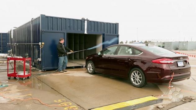 【ビデオ】フォードのモバイル風洞でどこでも空力開発を体験! そして運転へのウェアラブル活用研究をご紹介