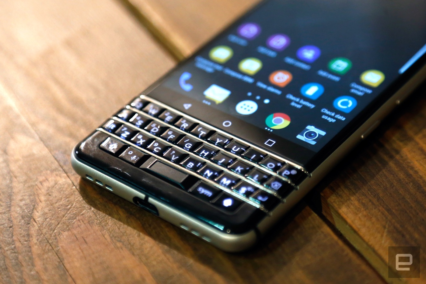 Blackberry keyone pictures official photos - Building A Strong Foundation Of Phones Is How Blackberry And Tcl Plan To Turn Things Around And At Least Some Of The Carriers That Didn T Love The Priv Are