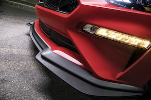 Performance Pack Level 2 is accentuated by a lower, more aggressive stance, aerodynamically balanced high-performance front splitter and rear spoiler – all designed to add more downforce to attack curves for an exhilarating feel behind the wheel.