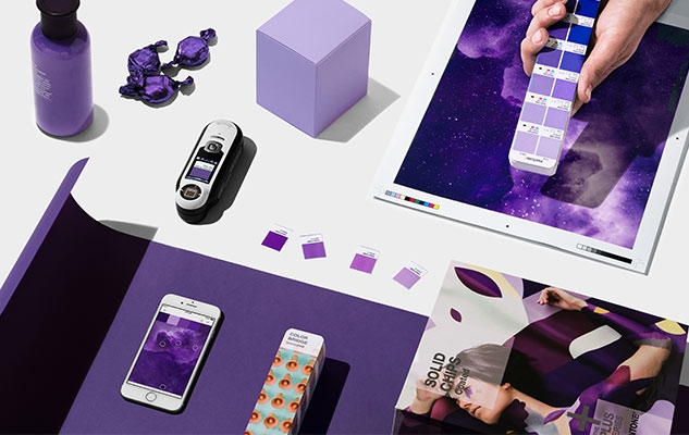 Comment porter l'ultra violet, la couleur de l'année selon