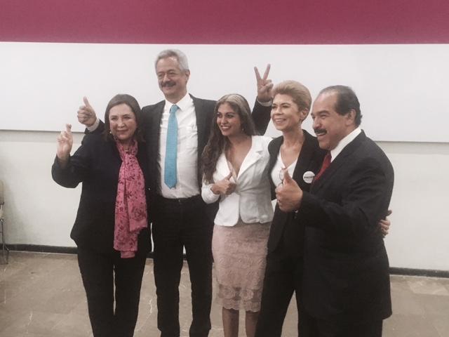 A la salida del debate entre candidatos al Senado por Ciudad de México. En la fotografía: Xóchitl Gálvez...
