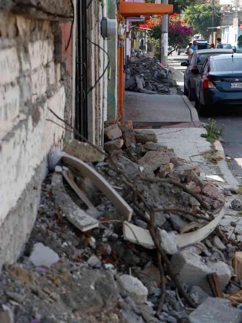 Afectados en Tláhuac por sismo, olvidados por las