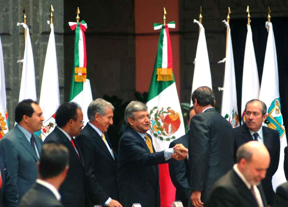 Octubre de 2003. Convocatoria de la primera Convención Nacional