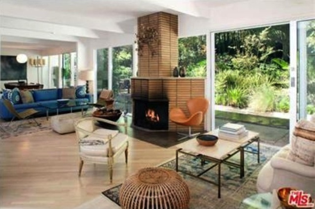 jason bateman living room