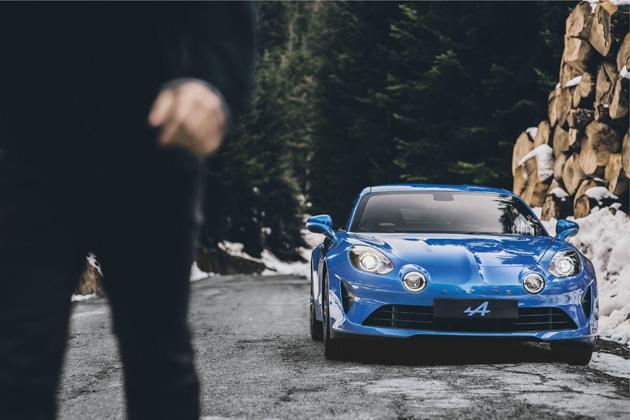 【ビデオ】アルピーヌ、新型市販スポーツカー「A110」を初公開! スペックや価格も明らかに