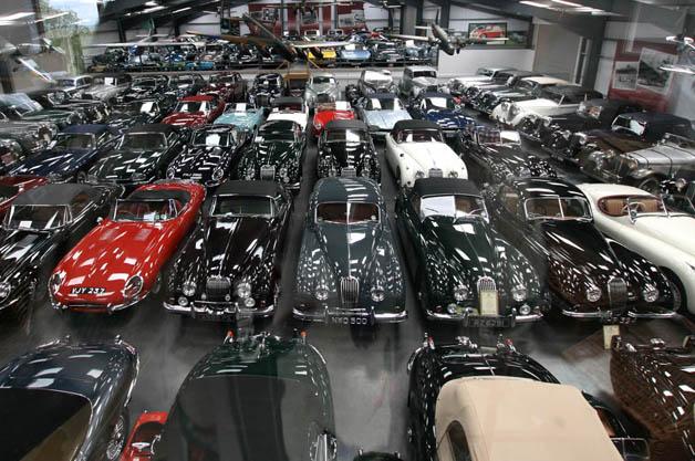 ジャガーが世界最大級の英国車のコレクションを入手