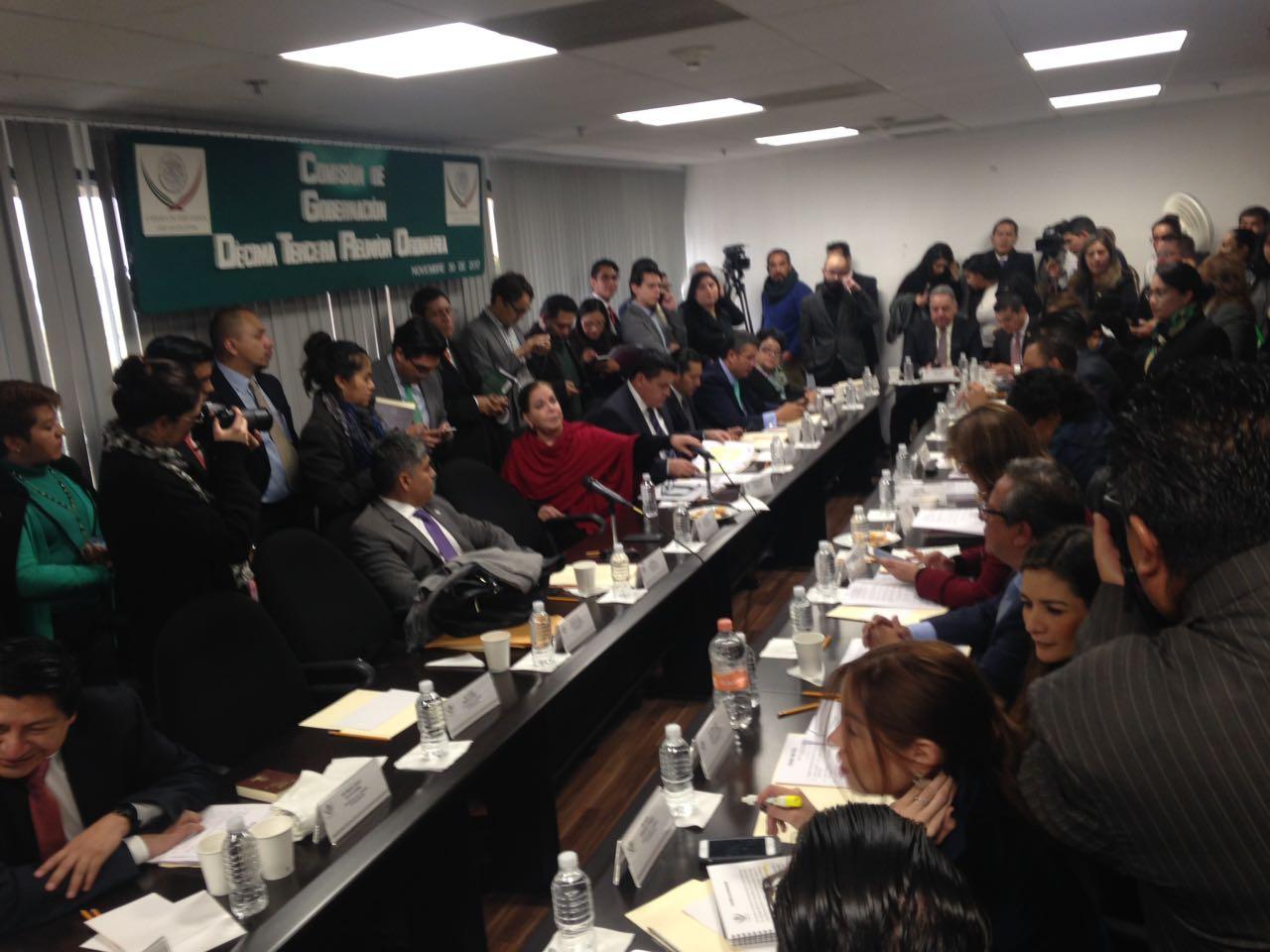 Diputados sesionan en secreto la Ley de Seguridad