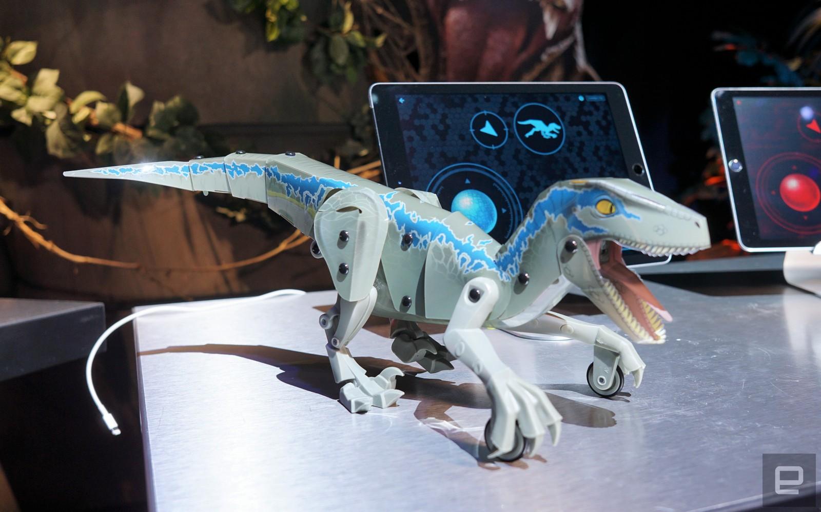 Jurassic+World+bots+gallery+3.jpg